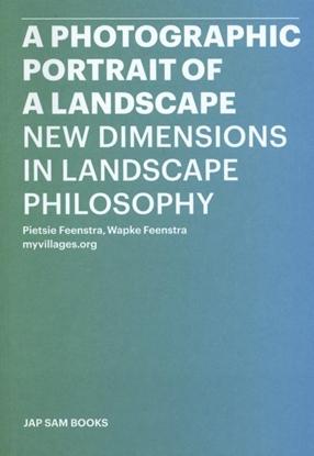 Afbeeldingen van A photographic portrait of a landscape